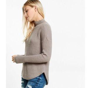 Express Circle Shirttail Hem Pullover Sweater